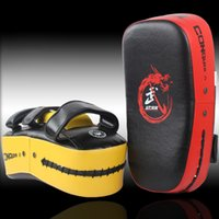 Wholesale Muay Thai Kick Boxing Strike Curve Pads Punch MMA Focus Target Pad Boxeo Color Optional