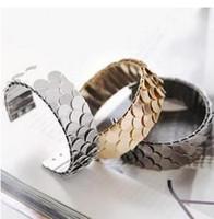 Wholesale L002 European and American avant garde trend of jewelry design retro black metal gun scales bling bracelet