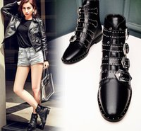 Wholesale New winter boots women Martin England thick with leather rivet fashion casual retro black motorcycle boots pointed
