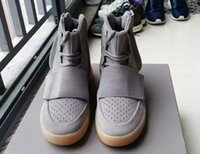 Wholesale 750 Boost with glow in the dark bottoms Kanye West Shoes Boosts Men Sport Sneakers Fashion outdoor boots season Shoes