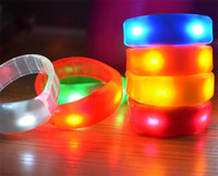 activities clubs - 20pcs Sound Control Music Activated Led Flashing Bracelet Light Up Bangle Wristband Night Club Activity Party Bar Disco Cheer colors D866