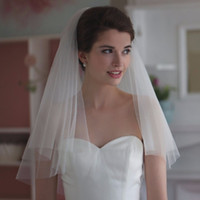 Wholesale New Cheap White Ivory Romantic Elbow Length Wedding Bridal Veils Layer With Comb Cut Edge Wedding Veil In Stock
