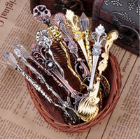 Wholesale 2016 Vintage retro Alloy Shells Coffee Spoon Crown Palace Carved Tea Ice Cream Scoop Dessert Spoons Cutlery kitchen accessories