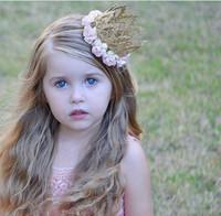 Compra Fotografía perfecta-Las flores recién nacidas de Rose con la corona pequeña diadema infantiles perfectos MINI tiaras del cordón del oro para la prop Fotografía de cumpleaños 7colors