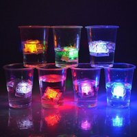 Wholesale High Quality Flash Ice Cube Water Actived Flash Led Light Put Into Water Drink Flash Automatically for Party Wedding Bars Christmas