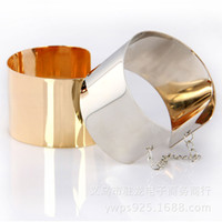 Wholesale Hot style in Europe and America Metal mirror chain wide exaggerated fashion punk gold and silver bangle bracelet colors can choose