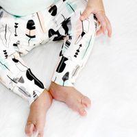 Wholesale Geometric Feather Baby Leggings Geometric Leggings Newborn Leggings Baby Leggings Newborn Pants Going Home Pants Feather Harem Pants