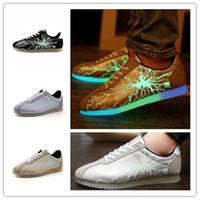 dentelle fissures Fire patterns chaussures lumineux mode d'économie d'énergie de lumière des chaussures Cortez up épissage baskets casual pour les adolescentes et adultes EMS