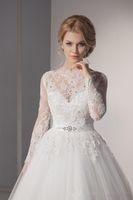 Wholesale Vestido De Noiva Renda Vintage Lace Princess Beaded Slash Wedding Dress In Stock Ball Gown White Wedding Dress Robe De Mariage Casamento