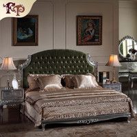 Wholesale Neoclassic luxury bedroom furniture antique bed solid wood carved furniture with silver leaf gilding