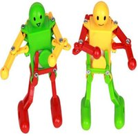 Wholesale Best selling PC Vintage Clockwork toys Dancing Robot Baby Toy Random Color