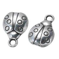 achat en gros de charmes coccinelle-300 pcs Ladybird Charms Pendentif Antique Silver Tone - bon pour l'artisanat de bricolage, fabrication de bijoux, sac et décration de vêtement