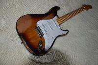 Wholesale Novo Estilo de alta qualidade artesanal RELIC ST guitarra elétrica