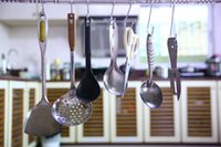 Wholesale Factory Price Metal S Hooks Kitchen Pot Pan Hanging Hanger Rack Rail Clothes Storage Holder