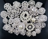 Wholesale 30 Bulk Wedding Party Brooches Plated crystal Pearl Crystal Rhinestone Diamond Bouquet Faux Brooch Pins bridal decor