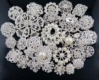 asian wedding decor - 30 Bulk Wedding Party Brooches Plated crystal Pearl Crystal Rhinestone Diamond Bouquet Faux Brooch Pins bridal decor