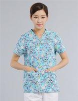 Wholesale Nurse Hospital Lab New Unisex Uniforms Clothes Hospital Medical Scrub Top V Neck Animal Print Color for Pet Doctors Hand Wash
