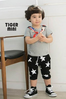 Wholesale 1pc Baby Kids Boys Shorts Pants Stars Pattern Bebe Kids Boys Clothing Pants Black Grey Colors Child Shorts Pants Cropped Trousers New Summer
