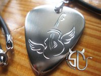 Wholesale Guitar on wings type No stainless steel handmade guitar pick necklace for men women boys girls