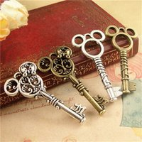 Wholesale MM Mickey Key Pendant Vintage Antique Bronze Silver Plated DIY Charm Pendant Jewelry YW0035