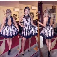 Vestidos de cóctel Negro Corto mini vestidos de cuello halter de encaje apliques de vestidos de fiesta cortos partido de los vestidos de alta Abiertos atractivos detrás del regreso al hogar