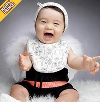 Wholesale Newborn Babies Cap Bib Sets toddle Girls Boys Cute Cartoon Cat Printed Set Baby Lovely gray beige Color choose