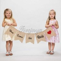 Wholesale Vintage Burlap Banner quot Here Comes the Bride quot Sign for Rustic Wedding Decoration Wedding Props Flags and Banner