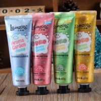 Wholesale 60GX4PCS Hand Cream Set Famous Brand Charcoal Hand Scrub Lily Hand Care Products Rose Nourish Hand Gel