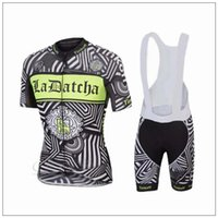 Wholesale Tinkoff Saxo Cycling Jerseys Set Short Sleeve With Padded Bib None Bib Trousers Black Fluo Green Bicycle Clothes Close Fitting XS XL