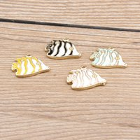Wholesale 14k gold shiny metal fish charms fashion jewelry enamel fish charms wholesales cute tropic fish charms