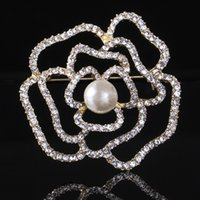 american prom theme - 2016 Women Lady Wedding Brooch Flower Pearl Sweater Jewelry Pin Crystal Rhinestone Theme Brooches Prom Pageant Pins Christmas Gift H6717