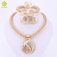 achat en gros de plaqué or ensembles de collier en cristal-Dernières Luxury Big Dubai Gold Plated Crystal Collier Ensembles De Bijoux Fashion Nigerian Wedding African Beads Costume Jewelry