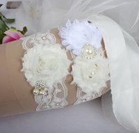 Wholesale 2015 New Arrived White Flower Lace Pearl Crystal bridal garter Set keepsake Wedding Garter Bridal Accessories for Wedding Party Stockings