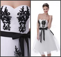 Wholesale Homecoming Dresses Knee Length White Gown With Black Appliques Elegant Sweet Girls Zipper Sweetheart Neck Cheap Prom Dress Short Party Dress