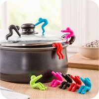 Wholesale New Creative Little Man Raising Pot Cover Silicone Spill proof Anti overflowing Tools Cell Phone Holder Cooking Tools Hot Sale