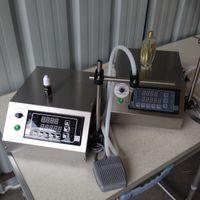Wholesale small bottle liquid filling machine Pneumatic Small Bottle Filling Machine