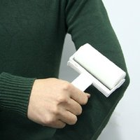 Wholesale Dust sticking device can be tore sticky roller sticky hair brush roll in Roll layer dust sticky brush g