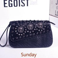 Wholesale 2016 fashion rivet day clutch embossed knitted chain messenger bag with lid magnetic buckle clutch