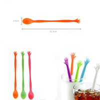 bar muddler - 500pcs HELP ME Hand Colorful Plastic Spoon Drink Stirrers Bar Pub Party Kitchen Cocktail Swizzle Sticks Coffee Muddler Puddler ZA0983