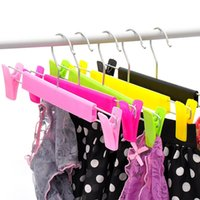 Wholesale Special offer telescopic antiskid trousers frame clip plastic clothes rack for children