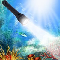 Wholesale Hot Lumen W XML T6 LED Diving Flashlight Torch M Underwater Waterproof LED FlashLight Battery charger