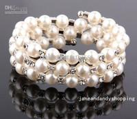 Precio de Cristales checo pulseras-Nueva joyería hecha a mano brazalete de perlas de novia de la boda 3 perla de la fila de la manera boda Checa mujeres cristalinas del grano de la pulsera brazalete de Marfil H1