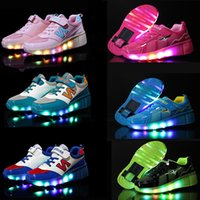 automatic wheel - Children Heelys Wear Resisting Wheels Shoes Boy Girl Automatic LED Lighted Flashing Roller Skates Kids Fashion Sneakers TN5097