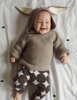 al por mayor conejitos de dibujos animados-Niños suéteres niño lindo conejito jersey de punto de bebé de dibujos animados pullover ropa Otoño invierno de manga larga con capucha orejas de conejo Outwear ropa