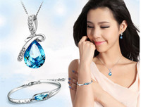 Wholesale Rhinestone Crystal Jewelry Sets Angel Tears Bracelet Earring Necklace Sets The Clothing Jewelry Sets Gift For Women New Fashion