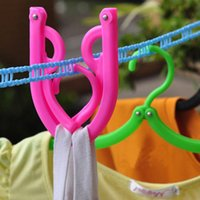 Wholesale 10PCS Portable Business Outdoor Essential Tool Required Folding Clothes Hanger R571