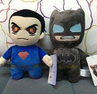 Precio de Superhéroes juguetes de peluche-Batman CONTRA la muñeca de la felpa del superhombre juega los juguetes de la historieta de los muñecos 20cm de las muñecas de Batman los juguetes de la felpa del super héroe EMS liberan el regalo D391 de Navidad 60