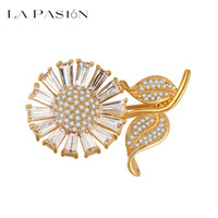 big pectorals - LA PASION BRANDNew Design Fashion Big Sun Flower Adorn Article Romantic Clovers Personality Lady Pectoral Brooch for Women