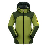 Wholesale The new men s soft shell skiing jacket waterproof warm fleece outdoor Climbing Clothes Fashion Snowboarding Sports Coat
