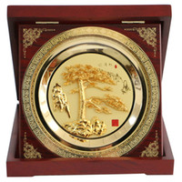 Wholesale Iron painting handicrafts with Chinese culture connotation gold Guest Greeting Pine